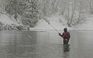 Centerpinning Float Fishing in the snow AA