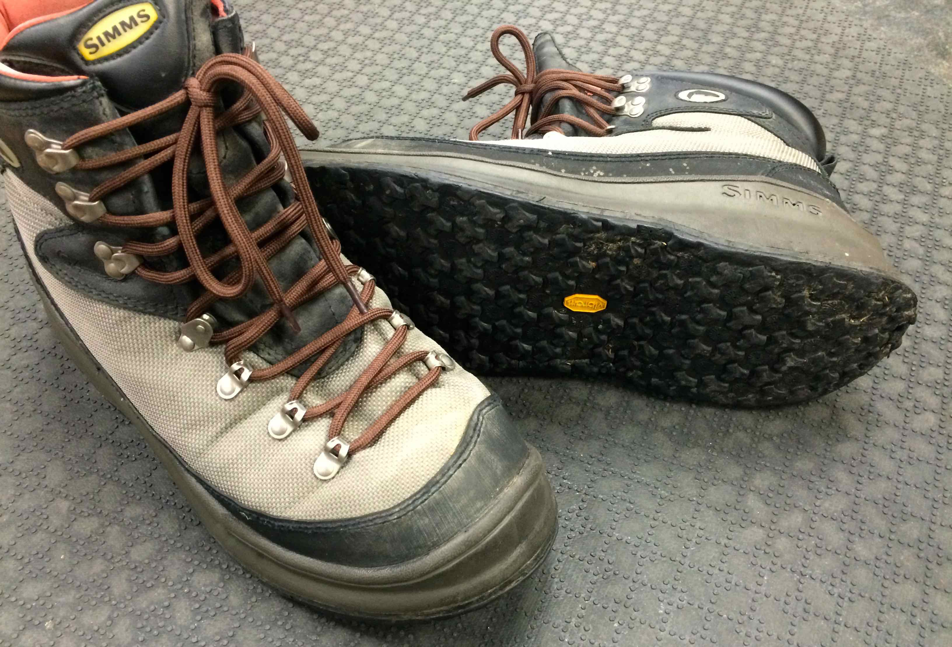 Sold new price simms g4 rivertread wading boots size for Fly fishing wading boots