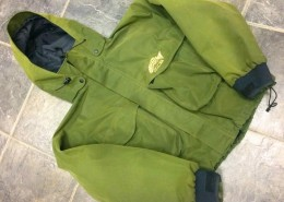 Bare Kodiak Waterproof Breathable jacket Size Medium AA